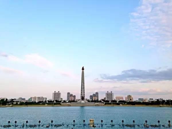 全球50个地标性建筑,认识10个就算你合格!-主体思想塔(朝鲜·平壤).jpg