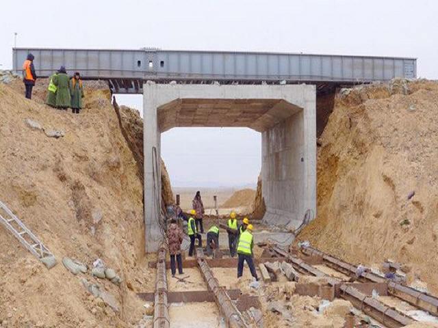[河北]现浇框架桥施工日志311天及顶进框架桥施工日志183天(工程整个过程)