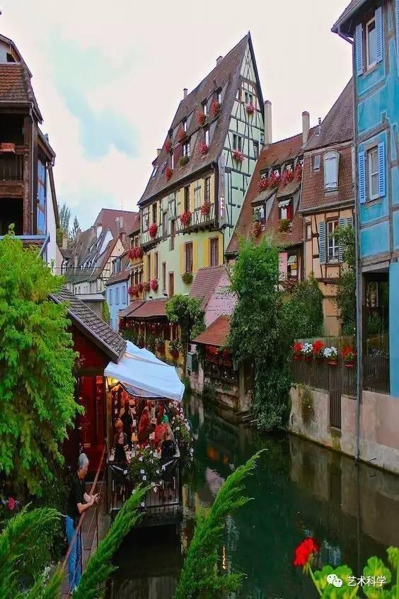 世界上最美的小镇,每走一步都是风景_21