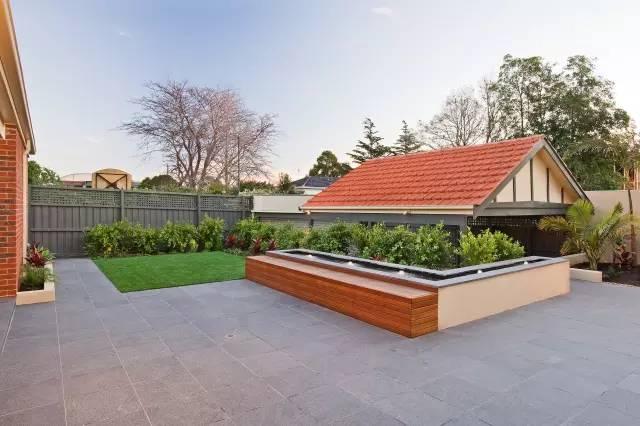 赶紧收藏!21个最美现代风格庭院设计案例_33