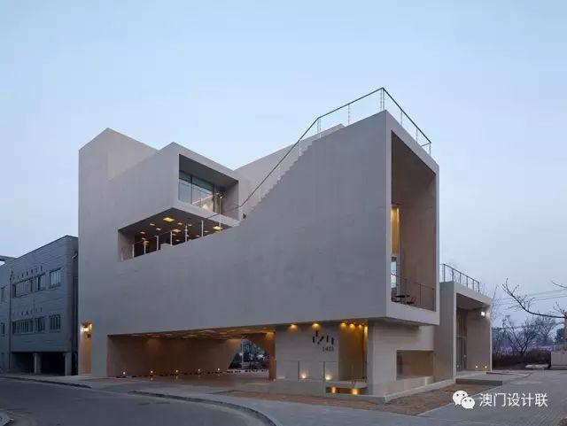打破陈规的新式建筑,于城市中开放的观景台_8
