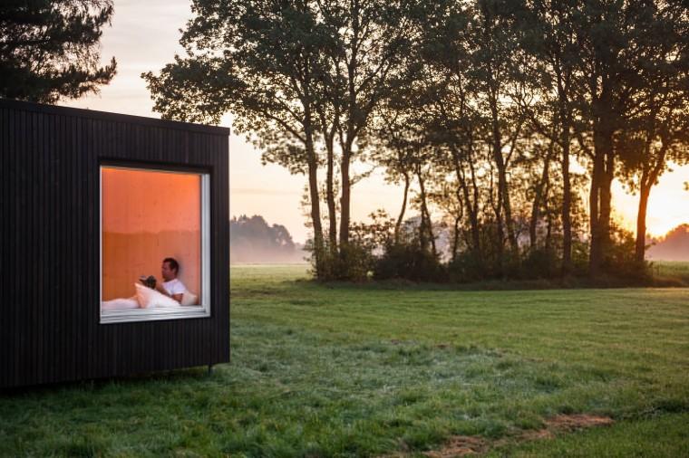 比利时能移动的生态小木屋外部实景图 (2)