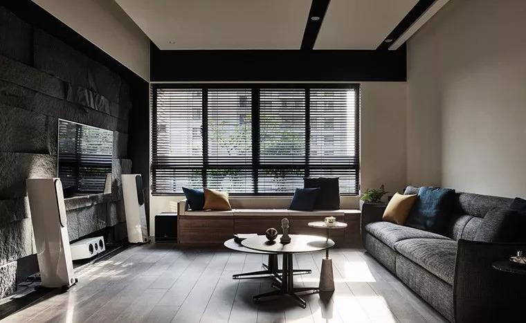 135㎡ 轻奢设计,黑色石材背景墙美的很高级!