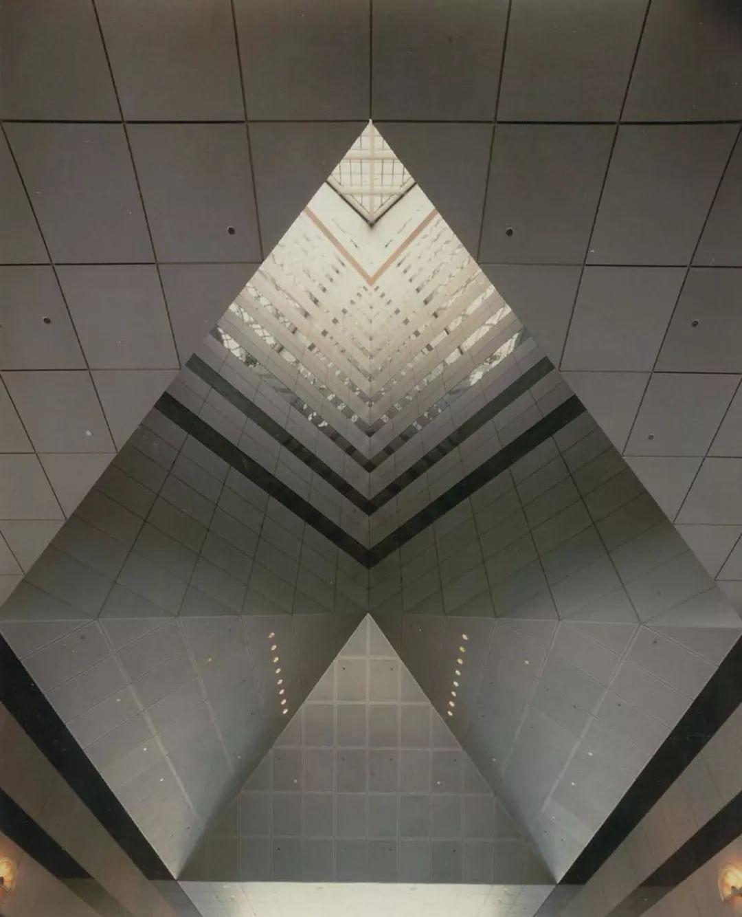 致敬贝聿铭:世界上最会用「三角形」的建筑大师_58
