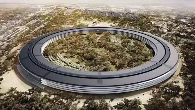 """苹果新总部马上竣工,甲方""""强迫症""""把乙方建筑师逼疯"""