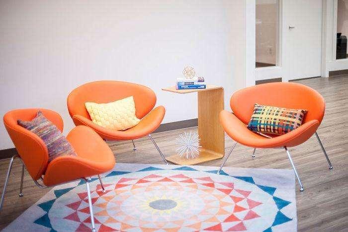 合肥办公室装修设计,赋予这个高挑的空间生命力和温暖感_2