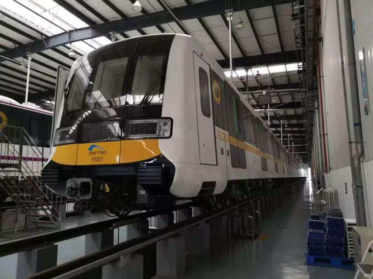 成都首条全自动无人驾驶地铁9号线首列车今日在蓉亮相!_19