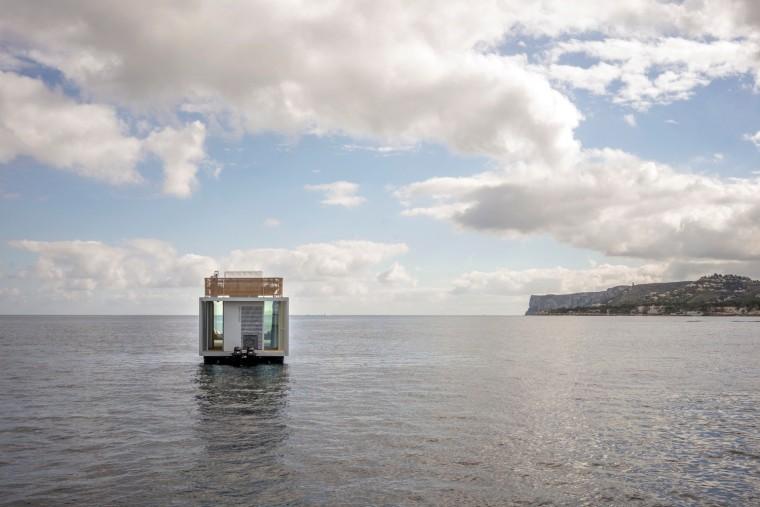 西班牙与大海融为一体的浮动别墅-4
