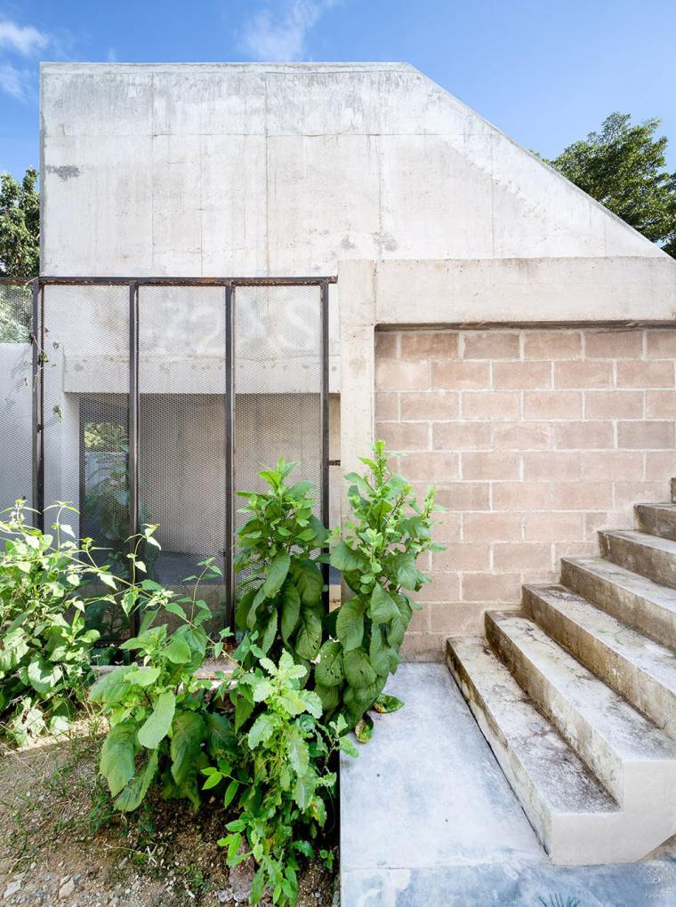 泰国设有阶梯式屋顶露台Fuzzy住宅-5