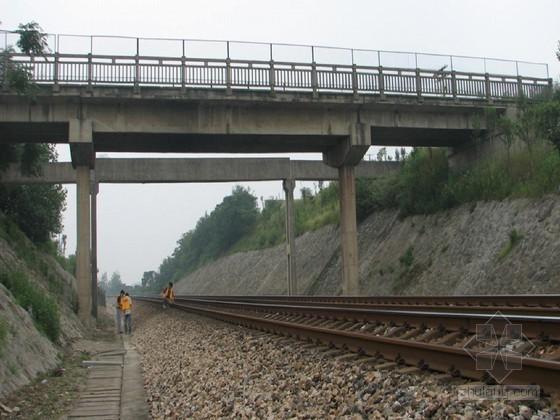 公跨铁立交桥梁顶升1米施工方案(牛腿法 顶升托架)