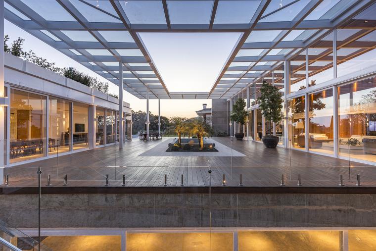 结构与空间融合的JardimdoSol住宅-11