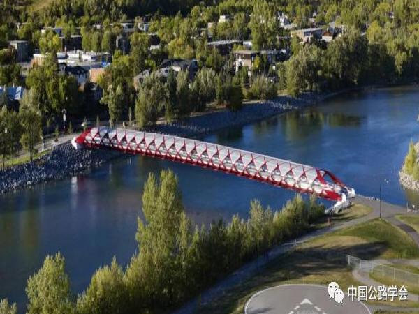 最败家的桥被评为世界桥梁工程奇迹,仅126米就花费将近2亿