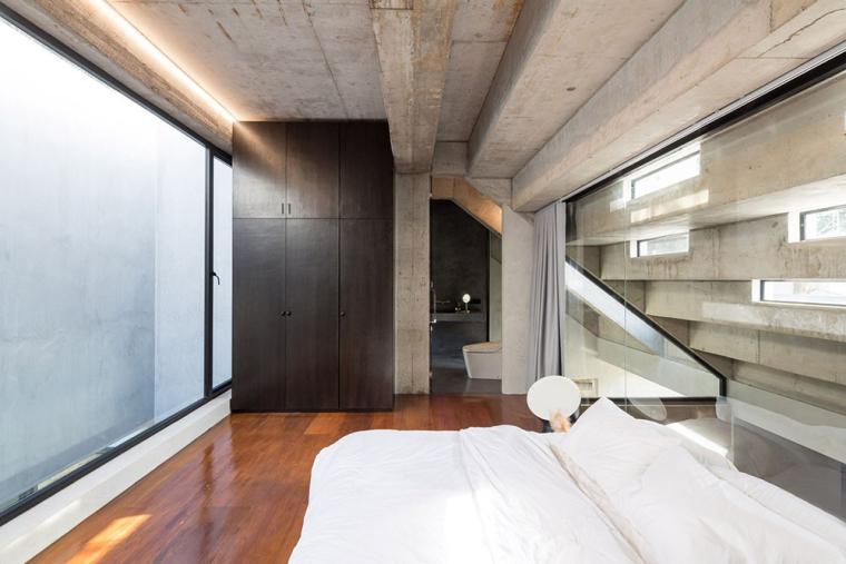 泰国设有阶梯式屋顶露台Fuzzy住宅-10