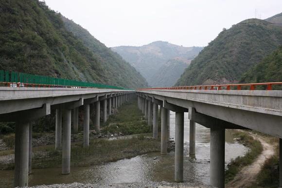 高速公路桥梁冬季施工方案(word,22页)