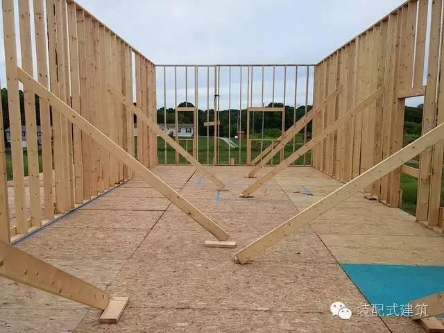 美国农村建房全程实拍——装配式木结构施工,速度快、性能好!_16