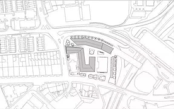 综合办公楼建筑设计:英国利兹大学综合广播大楼/案例