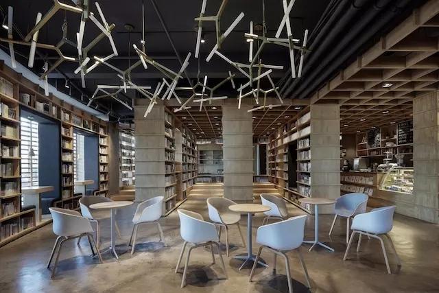 """保定首家新华书店,一个有着""""新鲜空气""""的新世界。-保定首家""""新华书店新鲜空气书吧"""""""