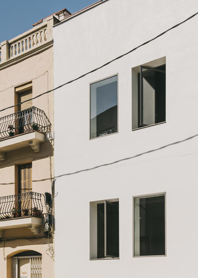 仓库建筑的古典风格Montoya办公楼-2