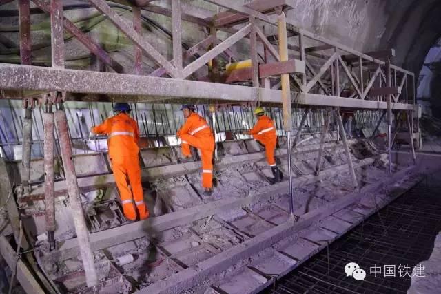隧道施工的未来:机械化PK人海战术!_6