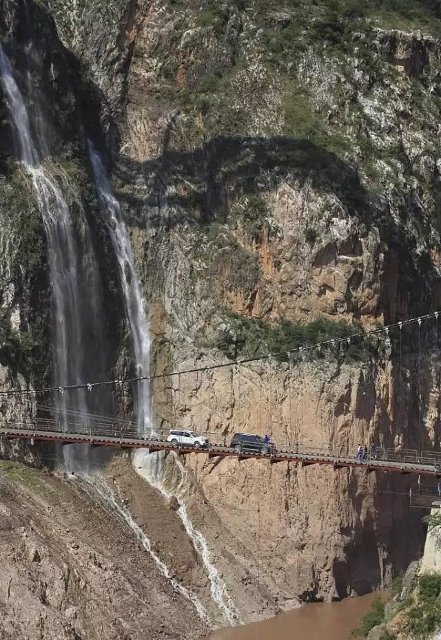 [点赞]挑战世界最险!中国这个隧道太难了 5分钟车程工期13年…