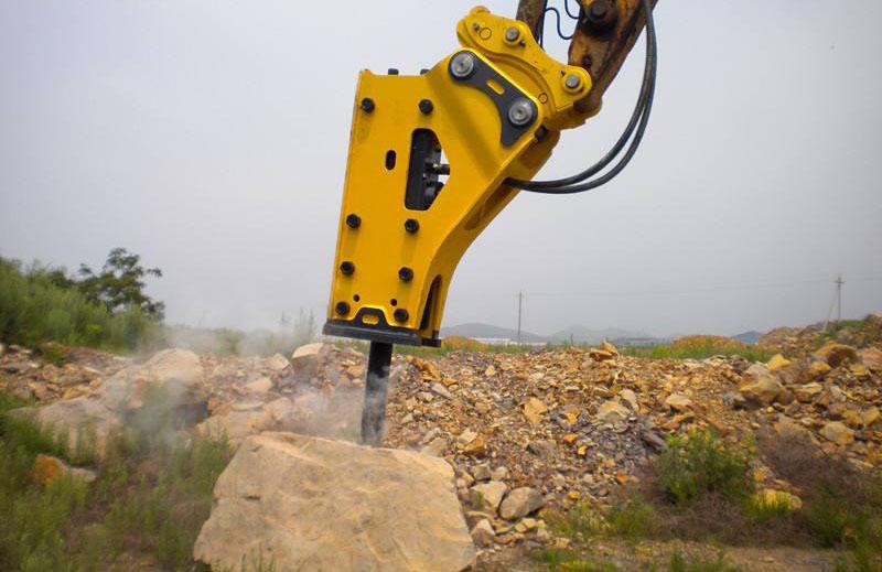 挖掘机液压系统的流量和压力都不能满足破碎锤正常工作的要求图片