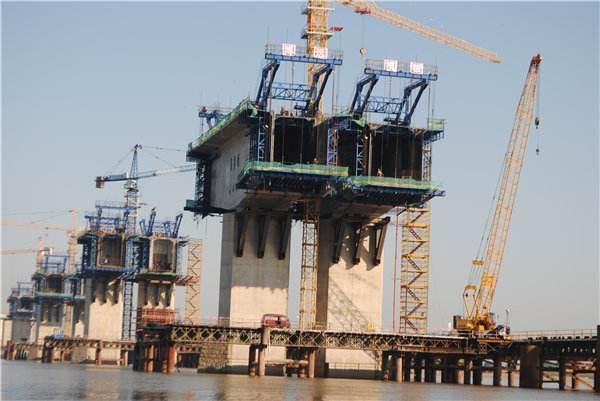 高架桥主桥连续刚构悬浇专项施工方案(菱形挂篮,81页)
