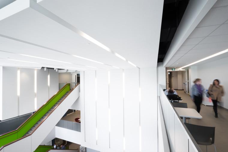 西安大略大学护理学院与信息媒体研究院教学楼-13