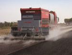沥青碎石同步封层车在道路施工中的应用