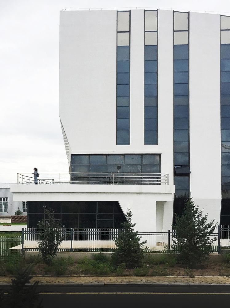 内蒙古林西弘宇制造公司办公楼-11
