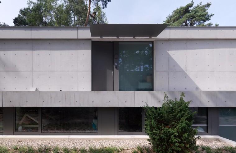 荷兰混凝土板组成的Zeist住宅-4