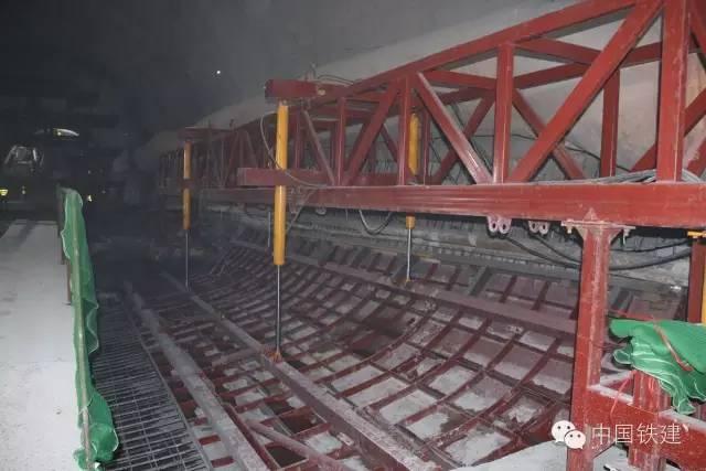 隧道施工的未来:机械化PK人海战术!_7