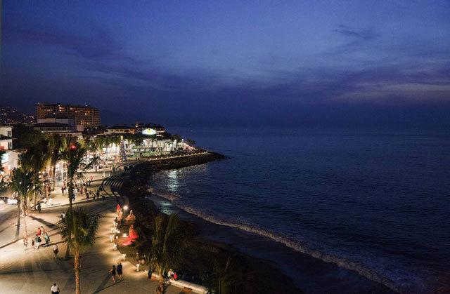 墨西哥巴亚尔塔港海滨景观设计_17