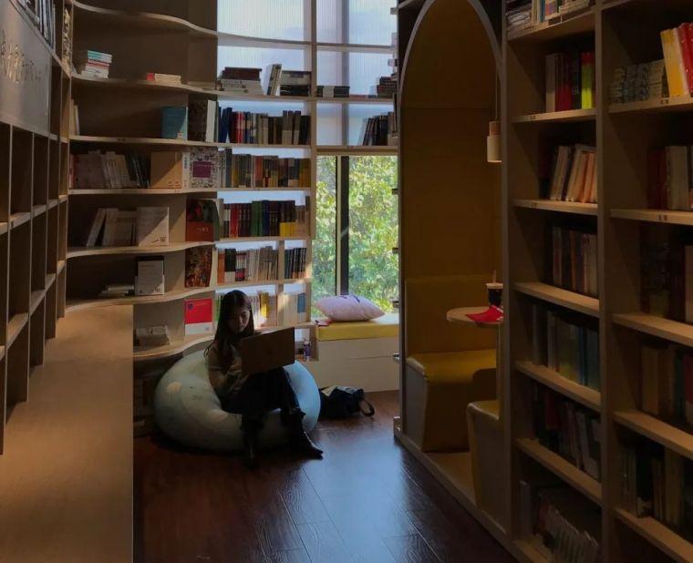 """这间上海""""最美""""大学书店,用""""社交""""重新定义郊区大学生活_21"""