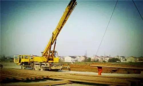 [图文]钢板桩围堰施工现场图,一看就会!