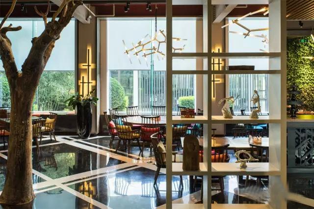 北京极富艺术感的树餐厅_6