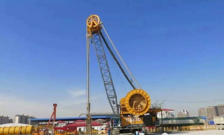 150米地连墙,槽底偏斜不超15厘米,上海深隧工程创施工新记录