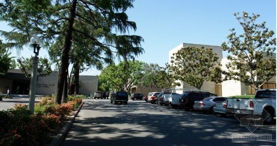 老年人公寓楼资料下载-美国的老年人活动中心
