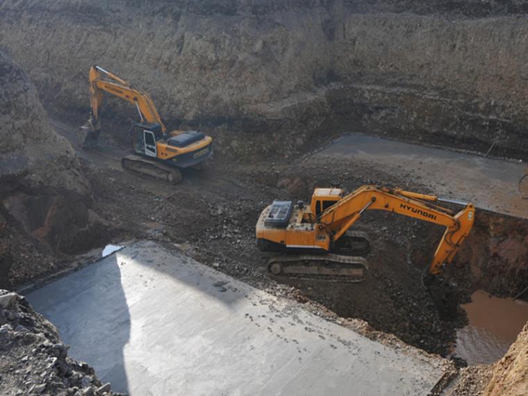 预防土方开挖工程坍塌事故的安全措施