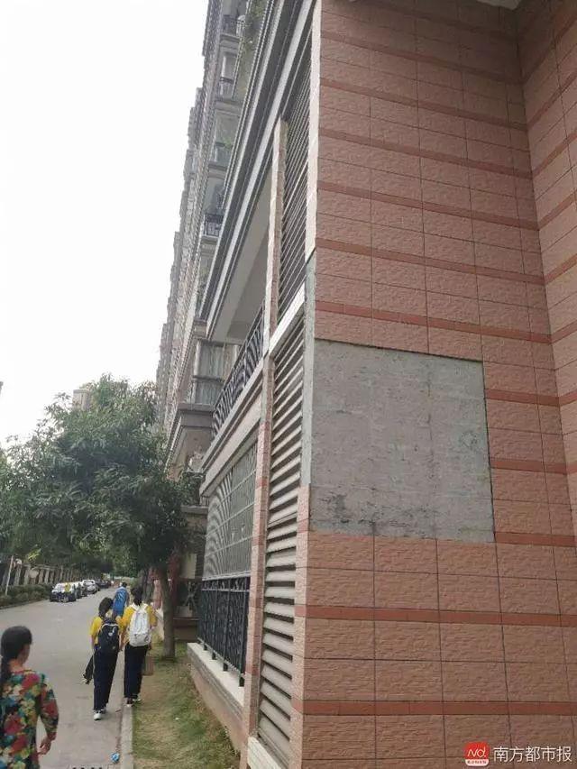 惠州新小区外墙掉瓷片,业主出入提心吊胆,论房屋加固的重要性!