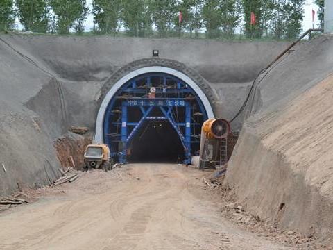V级浅埋围岩资料下载-[四川]200Km/h隧道工程围岩监测方案