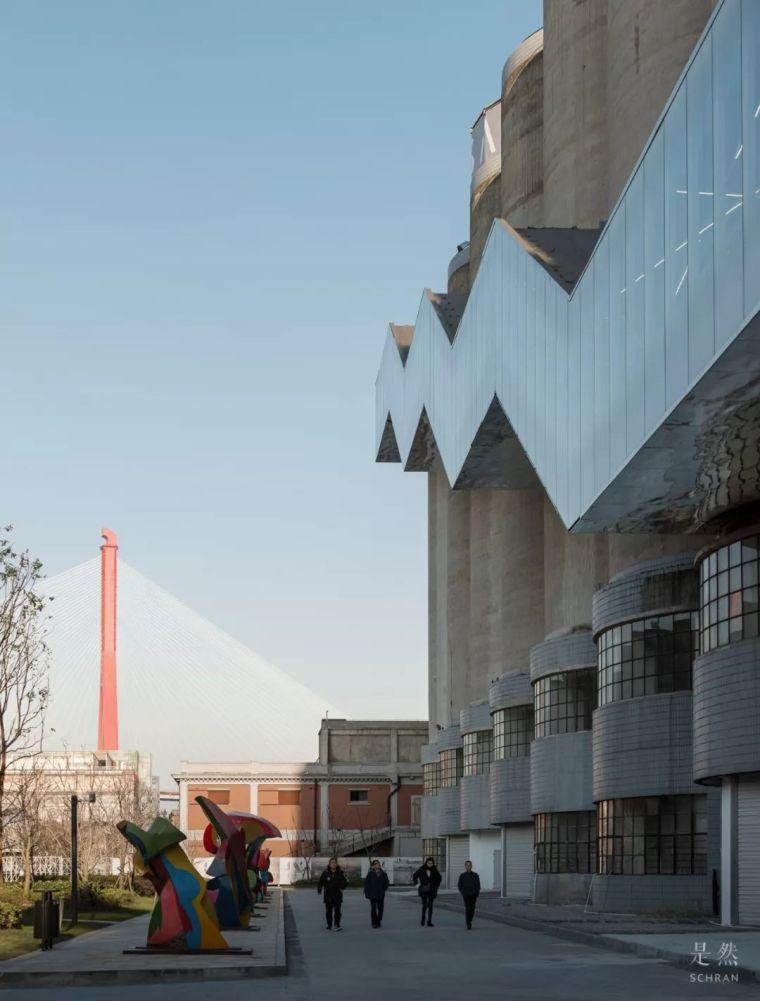 """建筑师爆改""""巨无霸""""老粮仓,除了新增100多米长的扶梯,竟还…_8"""