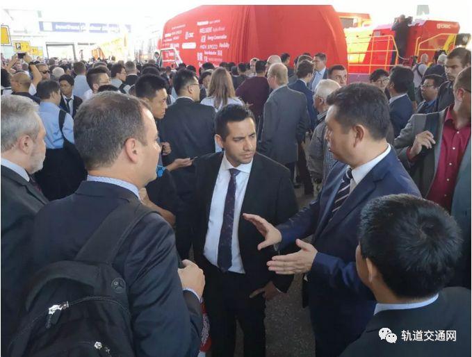 中国中车:新一代碳纤维地铁车辆全球发布!_7
