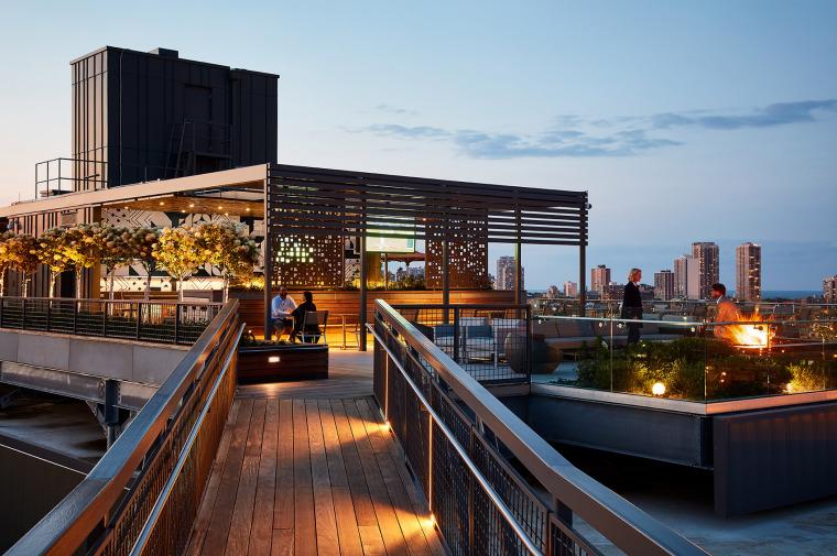 美国600WestChicago屋顶花园-美国600 West Chicago屋顶花园实景图 (5)