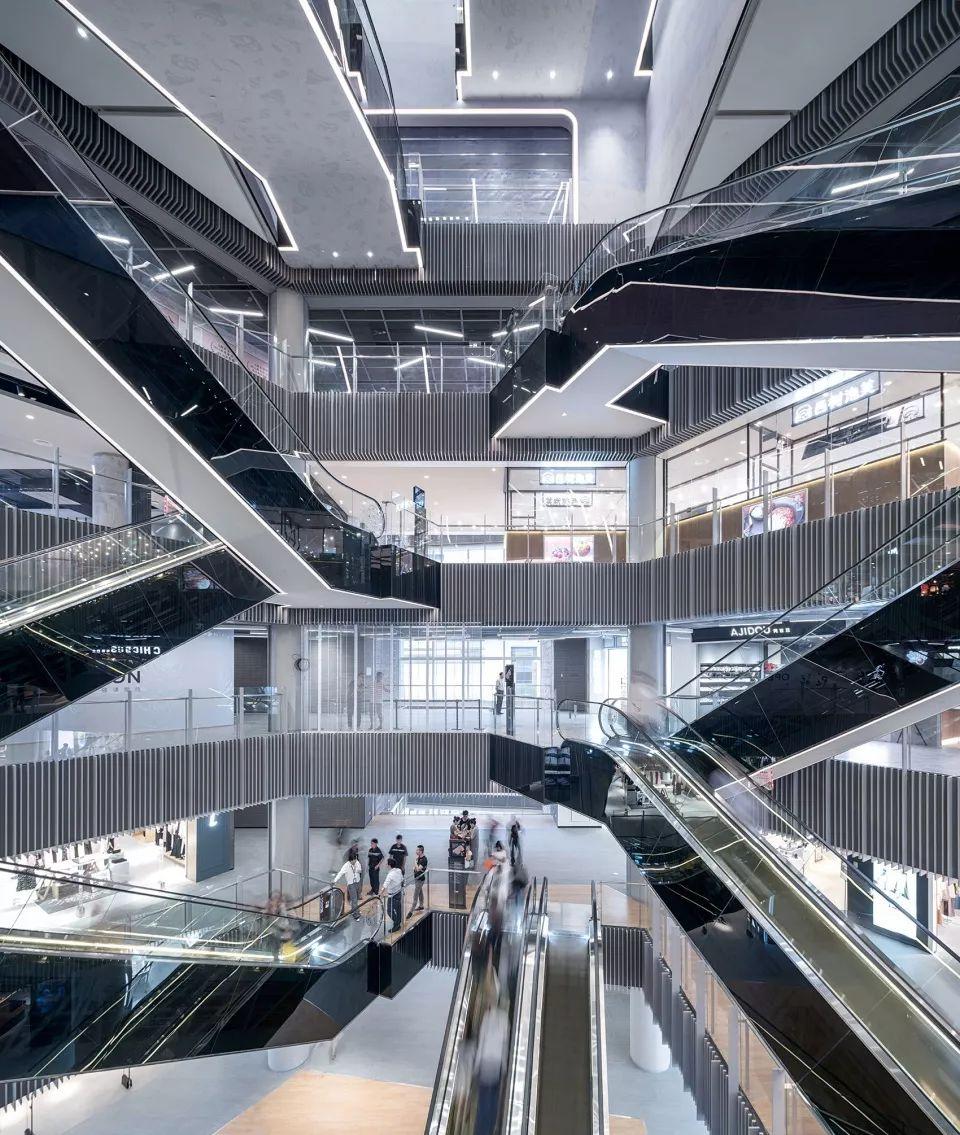重新连结城市生活-上海世茂广场改造,上海/Kokaistudios_16