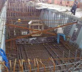 波形钢腹板组合体内外预应力混凝土箱梁施工工法_11