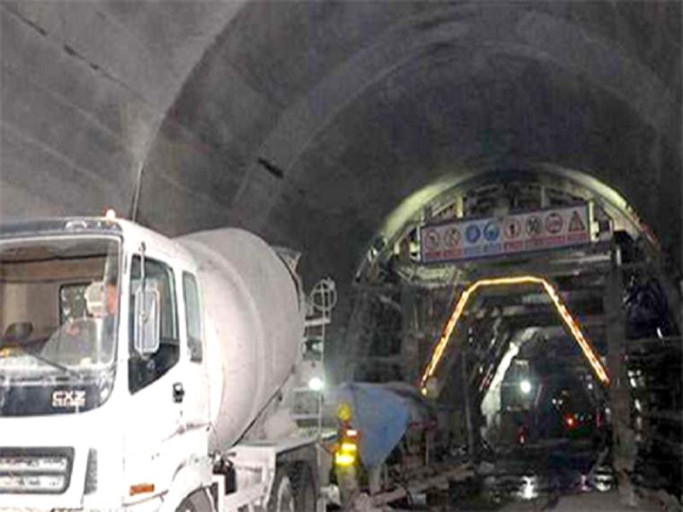 铁路隧道施工阶段风险评估报告
