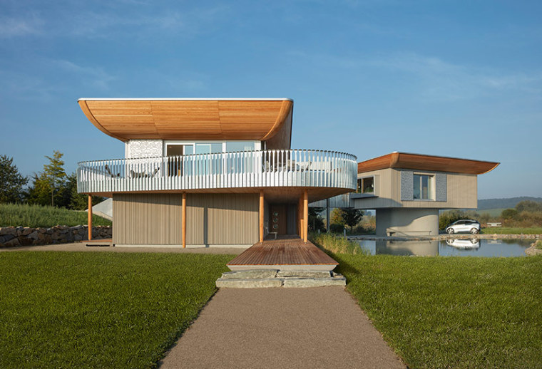 大量运用木材的预制建筑,组成一座完美的住宅