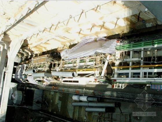 [广东]鲁班奖地铁明挖顺筑法岛式车站及盾构区间施工技术总结223页(地下连续墙)