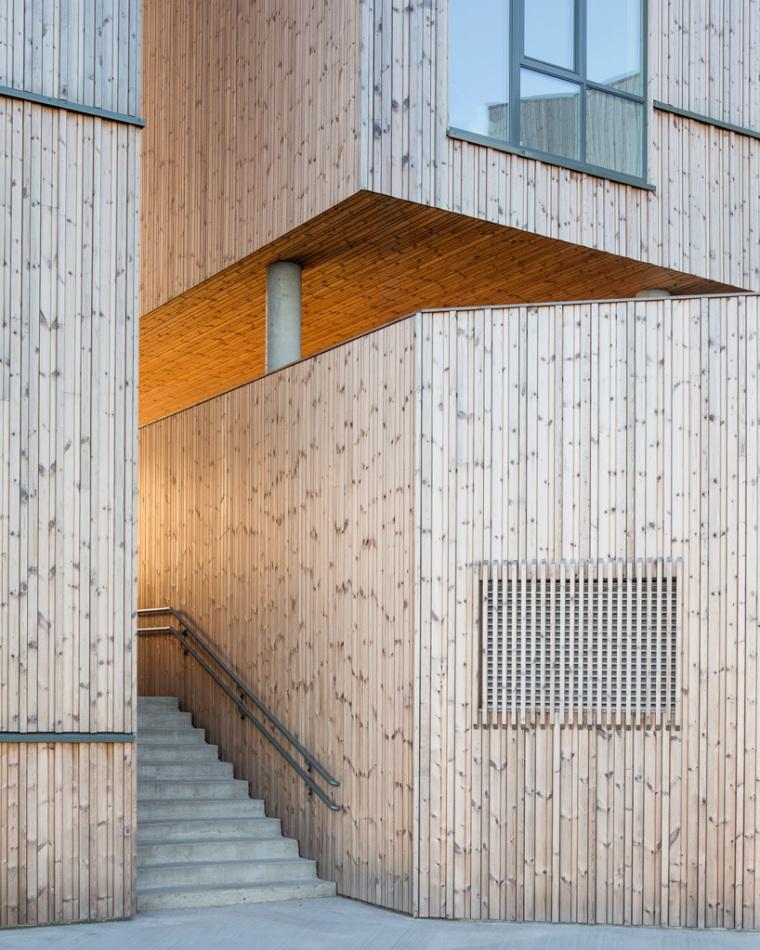 挪威滨海木质住宅_10