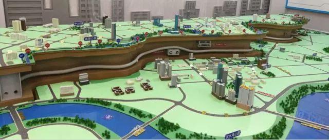中建六局首个盾构法施工综合管廊隧道全部贯通_2